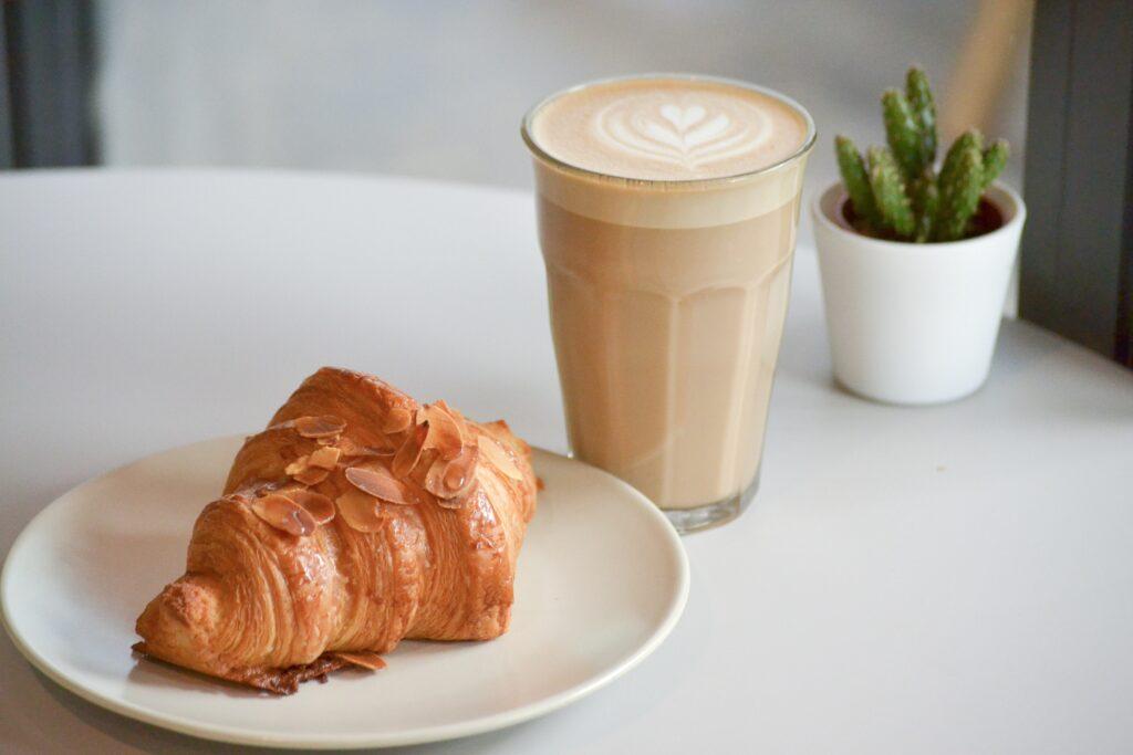 Kage og kaffe guide