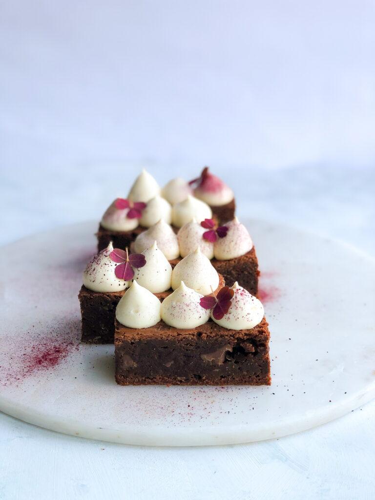 Brownie-med-hvid-chokoladecreme
