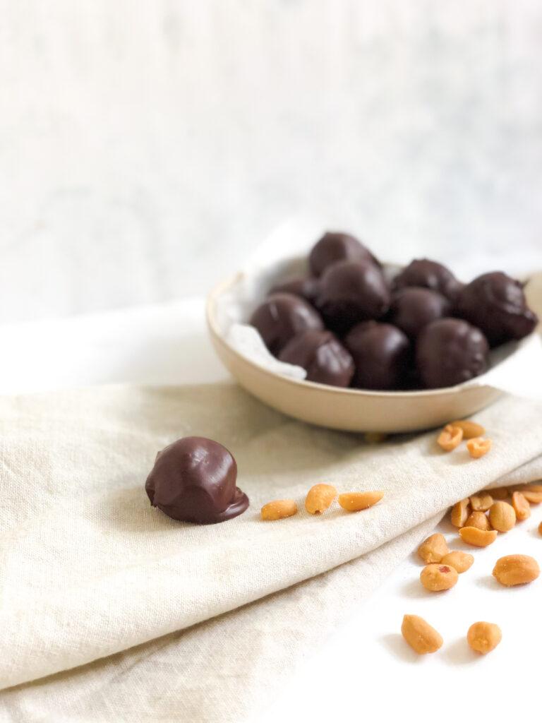 Peanut-bites